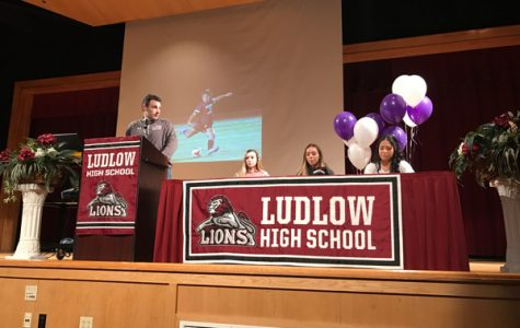Girls soccer seniors sign letters of intent for college