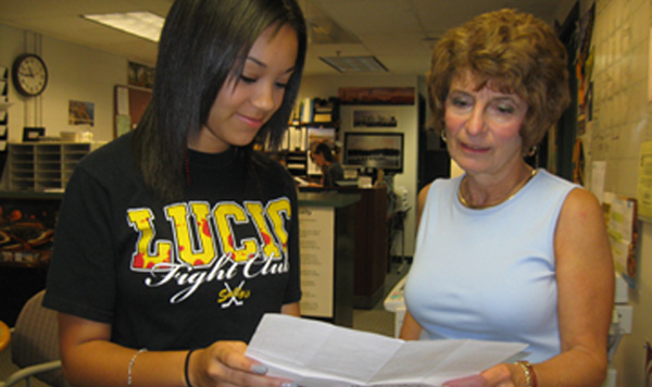 Senior Andria Boland talks to Guidance Counselor Lydia Brady about dropping a class