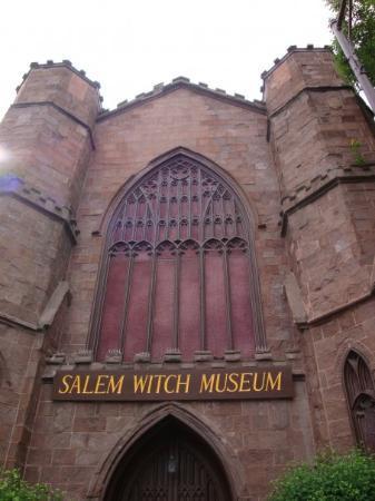 Juniors plan trip to Salem
