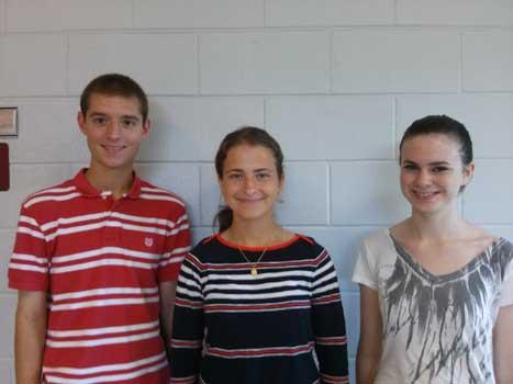 Top three seniors in the running for valedictorian