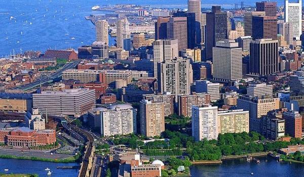 Freshman class takes field trip to Boston